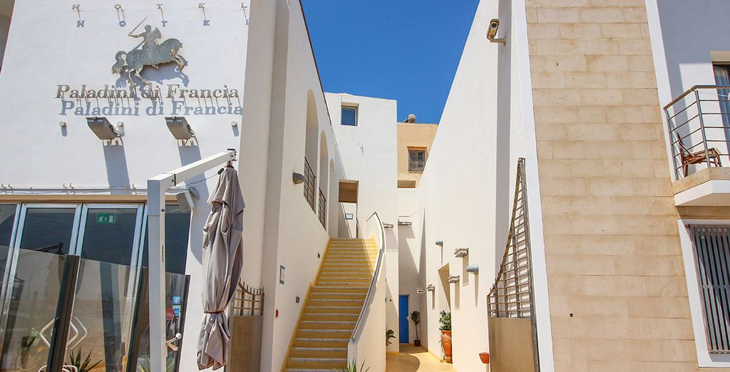 L'hotel Paladini di Francia vi attende, pronto ad accogliervi per rendere la vostra vacanza indimenticabile