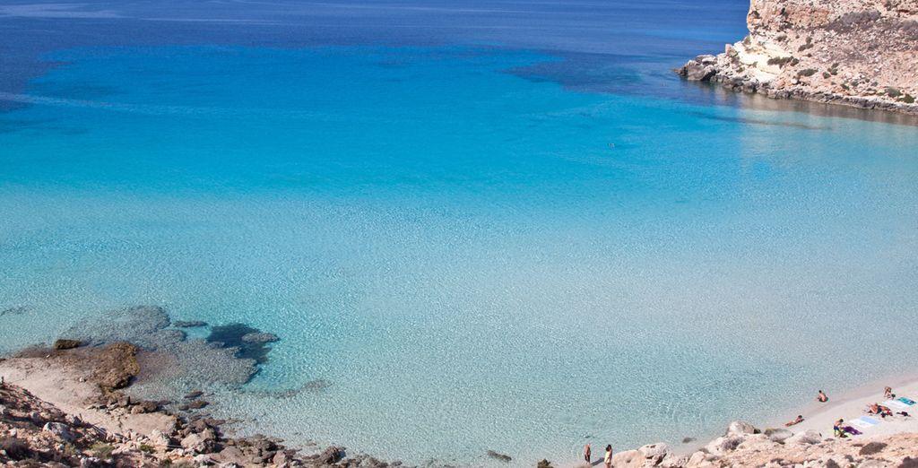 Il mare cristallino di Lampedusa vi conquisterà