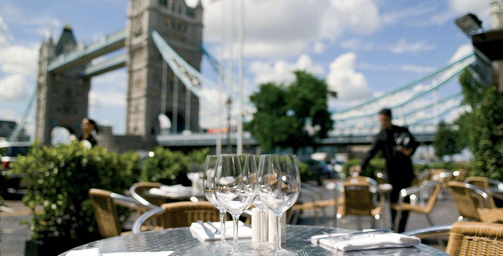Potrete assaporare un romantico pranzo per due vista Tower Bridge