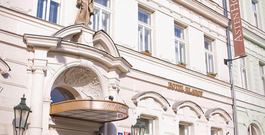 Un hotel dal fascino neoclassico  situato a pochi minuti a piedi dalle principali attrazioni della città