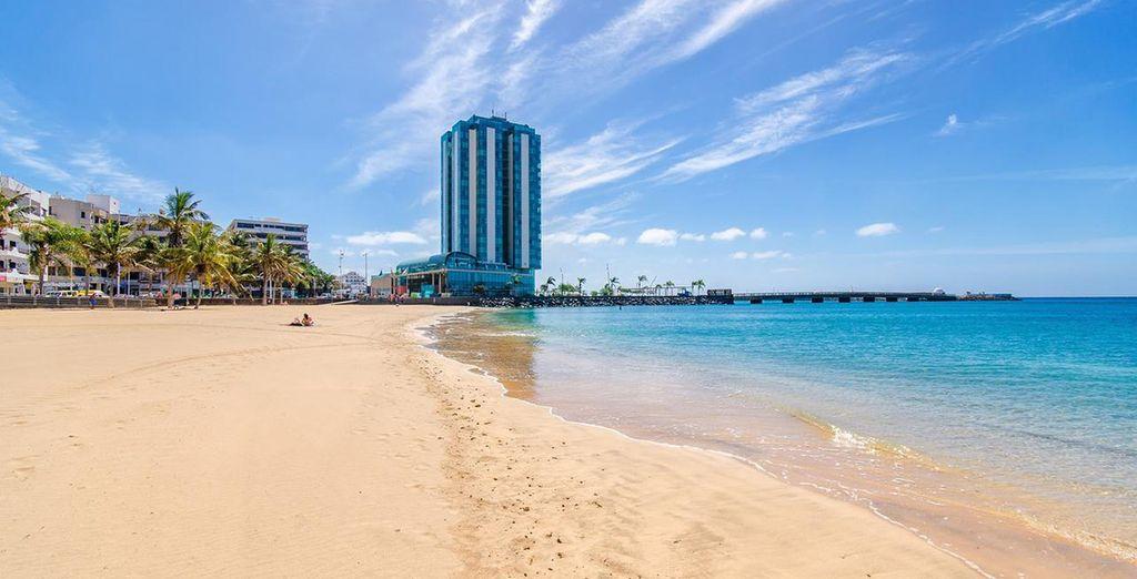 Arrecife Gran Hotel & SPA 5*  vi dà il benvenuto a due passi dalla spiaggia