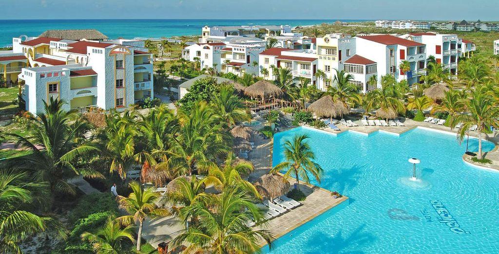 Ad accogliervi c'è l'Hotel Pelicano, dotato di numerosi servizi per garantirvi un soggiorno piacevole