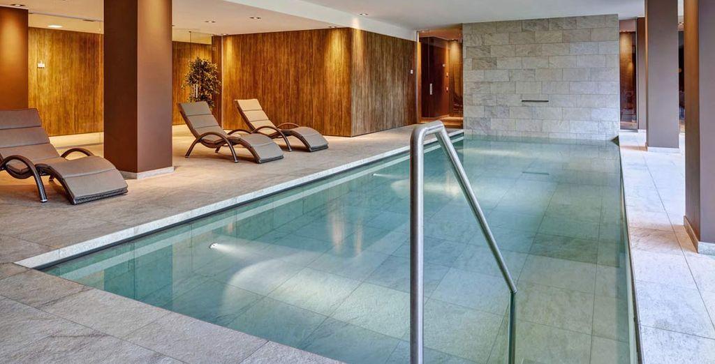 Potrete concedervi un bagno nella magnifica piscina coperta