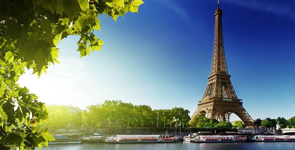 E rimarrete incantati dalla magia della Tour Eiffel
