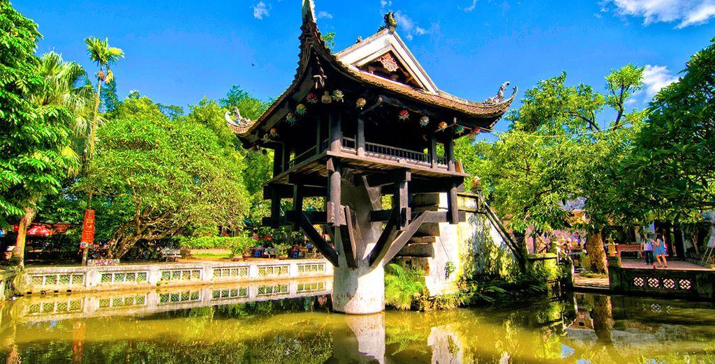 Visitate la bellissima Pagoda su una sola Colonna, simbolo della città