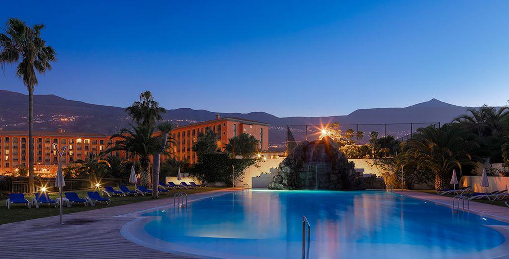 L'hotel si trova in posizione privilegiata, circondato dal verde e con vista panoramica