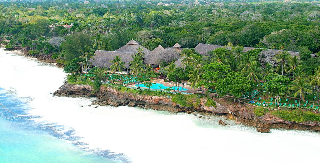 A sud del Kenya su Diani Beach vi accoglie il Baobab Beach Resort