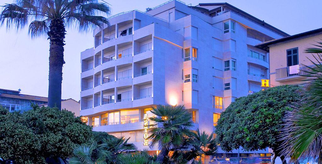 Hotel Sina Astor 4* a Viareggio