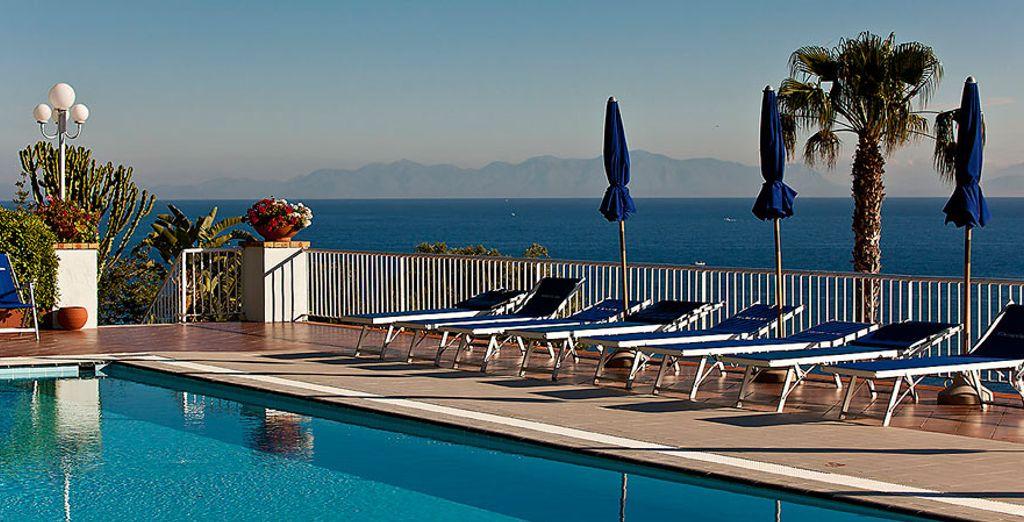 Hotel a quattro stelle di alta gamma selezionato da Voyage Privé, piscina e area relax