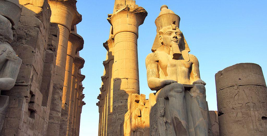 Fotografia di statue e templi egiziani