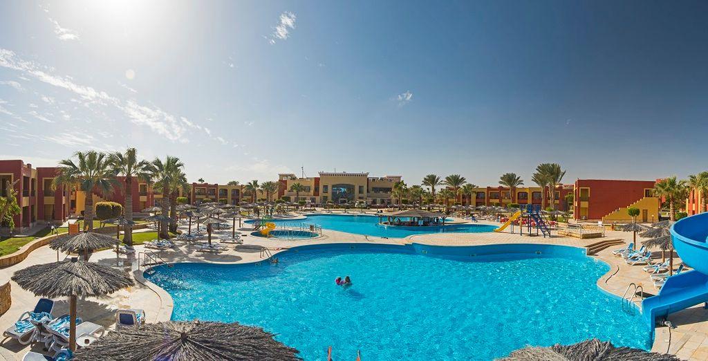 Magic Tulip Beach Resort 4*