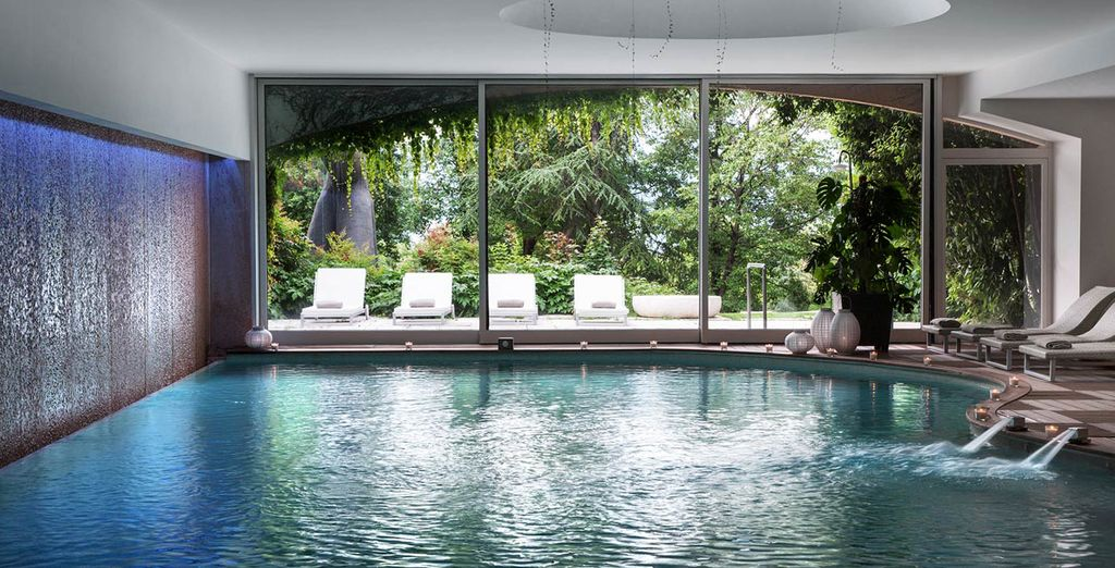 Hotel di lusso a 5 stelle con piscina coperta, spa e camera confortevole
