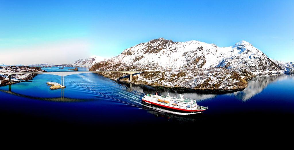 Effettuerete una crociera di una notte sul Postale dei Fiordi (Hurtigruten)