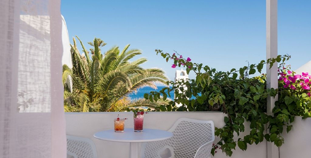 Mediterranean Beach Hotel 4* - pacchetti vacanze santorini