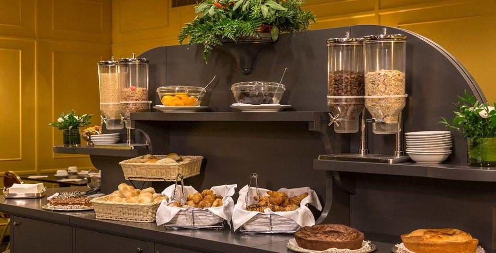 Ogni mattina vi sveglierete con un abbondante prima colazione a buffet