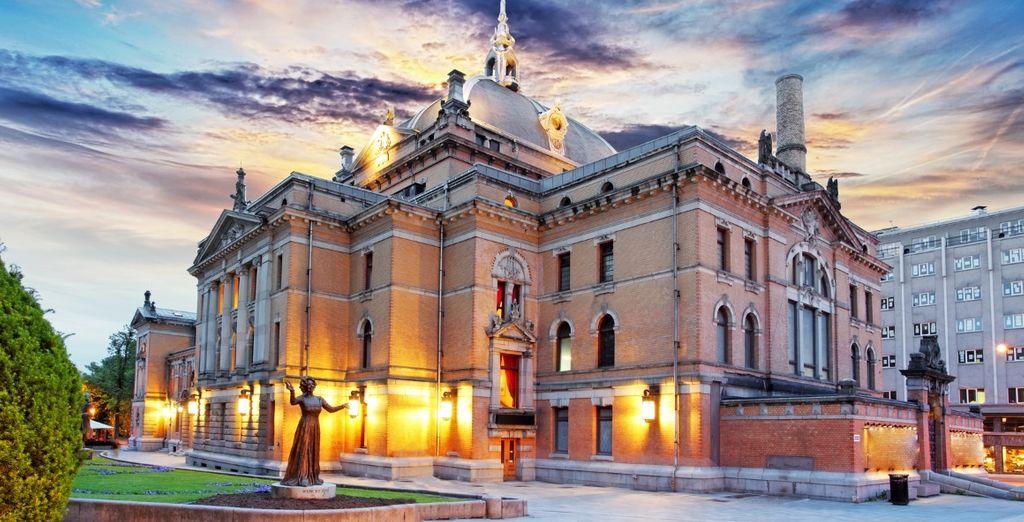 Prima tappa sarà Oslo dove potrete ammirare il National Theatre