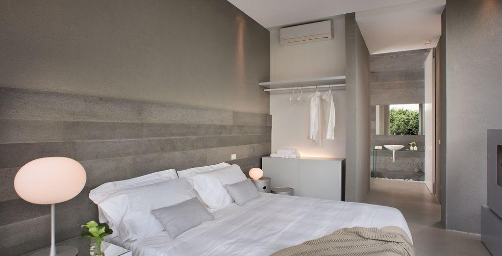 Hotel di alta gamma con tutti i comfort, camera doppia e vista su un giardino verde