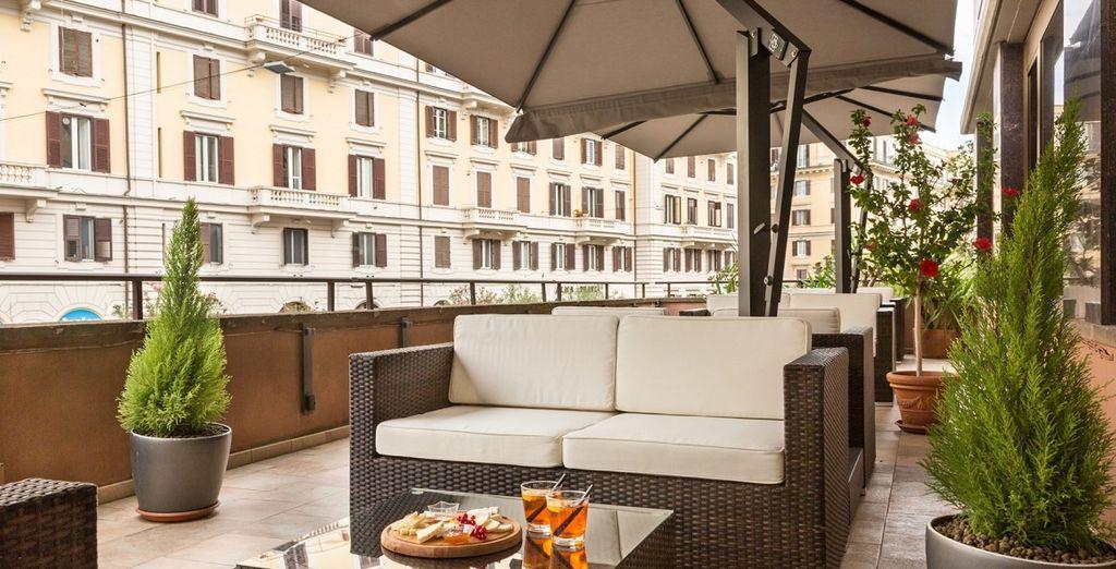 infine la terrazza vi farà godere di viste panoramiche su Villa Borghese