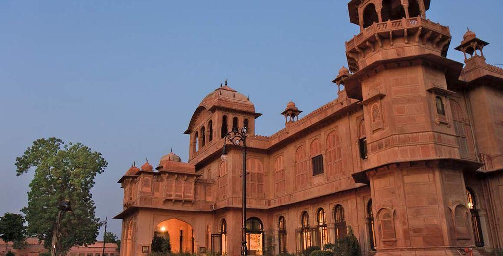 Soggiornando in alberghi di categoria come il Lallgarh Palace Bikaner