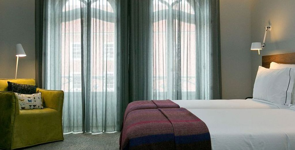 Maak het uzelf gemakkelijk in uw comfortabele kamer