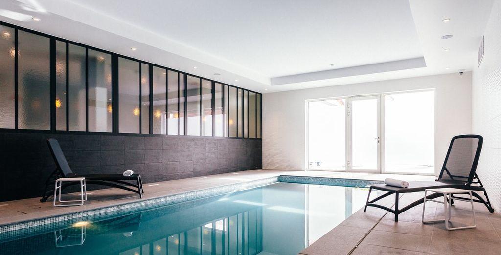 Profiteer van gratis gebruik van het zwembad, de sauna en de infraroodcabine!