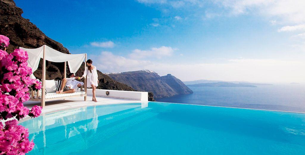 Neem een duik in het infinity zwembad