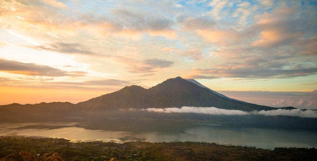 Of maak u klaar voor een trek op Mount Batur om een prachtige zonsopgang te bewonderen