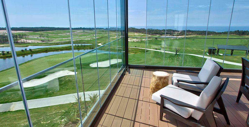 Het hotel heeft uitzicht over de omliggende golfbanen