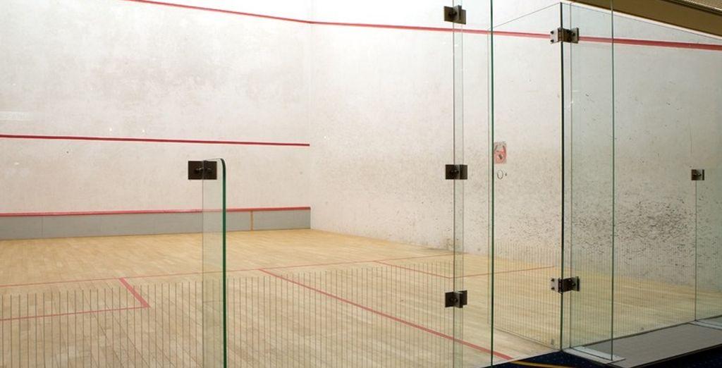 Sportievelingen kunnen tennissen of squashen