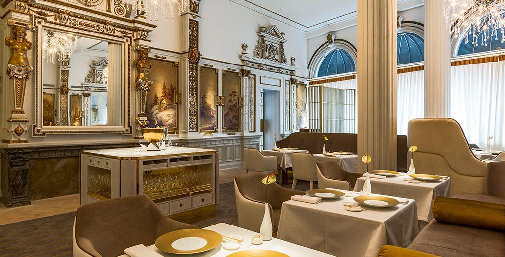 In het elegante restaurant The White Room