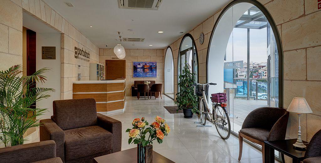 Een hotel dat modern design combineert met de authentieke charme van een vissersdorpje