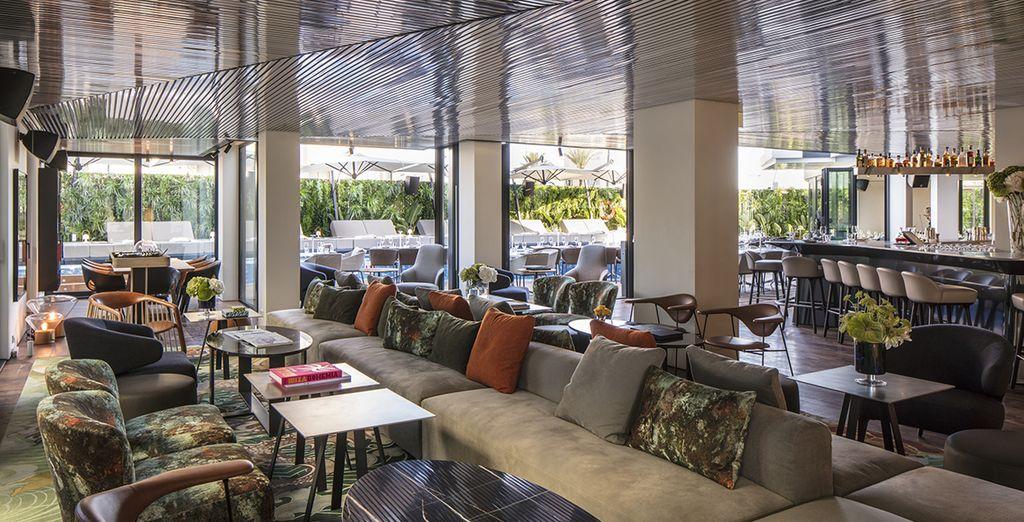 Het Sir Joan Hotel heet u welkom in een elegant en modern kader