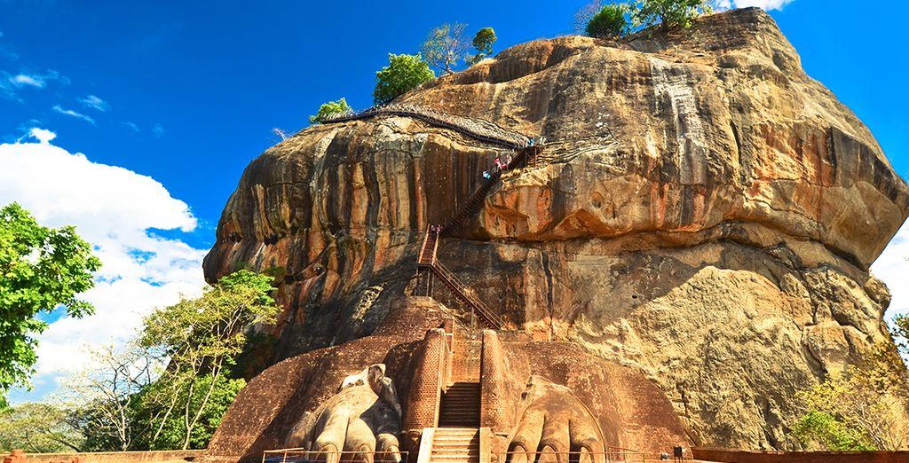 We nemen u mee naar het Sigiriya Rock Fortress ...