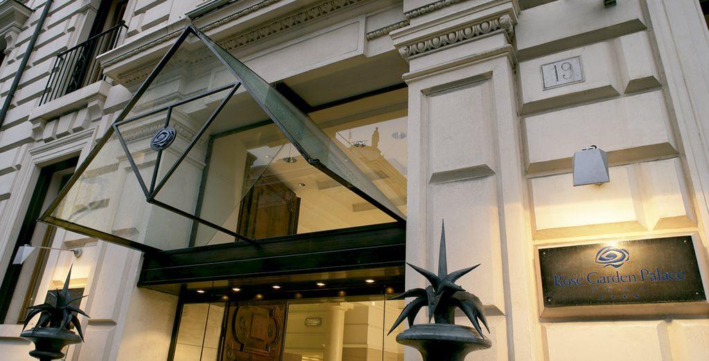 Een vleugje Dolce Vita in het hotel Rose Garden Palace 4*