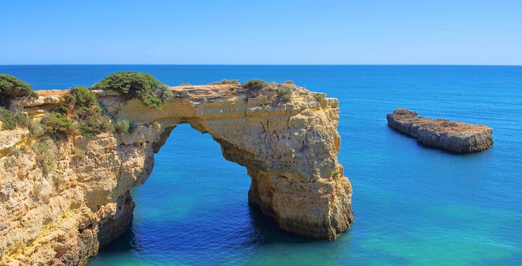 Niet ver van de kust van de Algarve