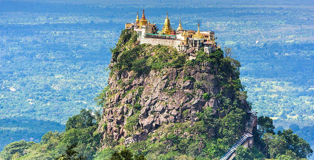 De imposante berg Popa