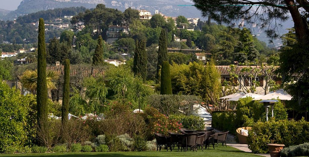Set amidst olive trees and gardens, on the hills of Saint-Paul-de-Vence