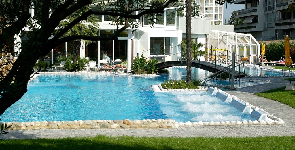 The outdoor pools are heated all year round and have divinely relaxing whirlpools