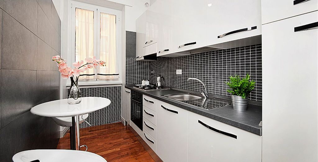 Apartment 3: And sleek shiny kitchen - all near to the Vatican!