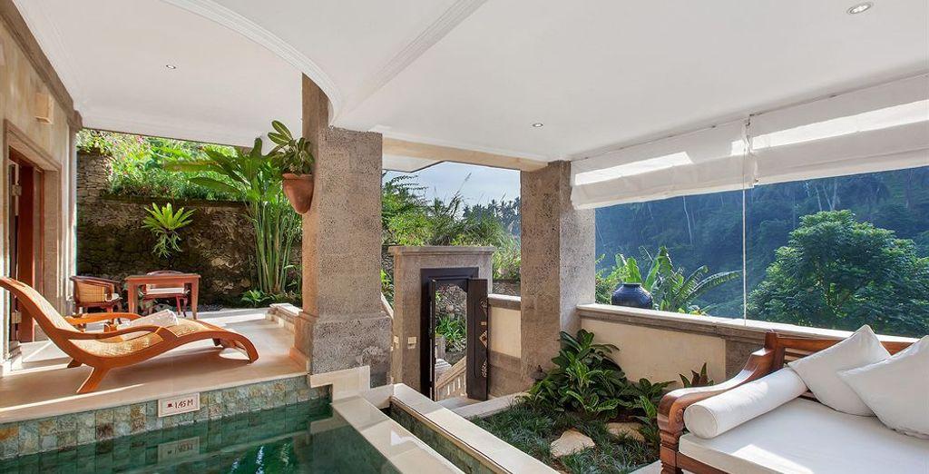 Open the doors of your Pool Suite