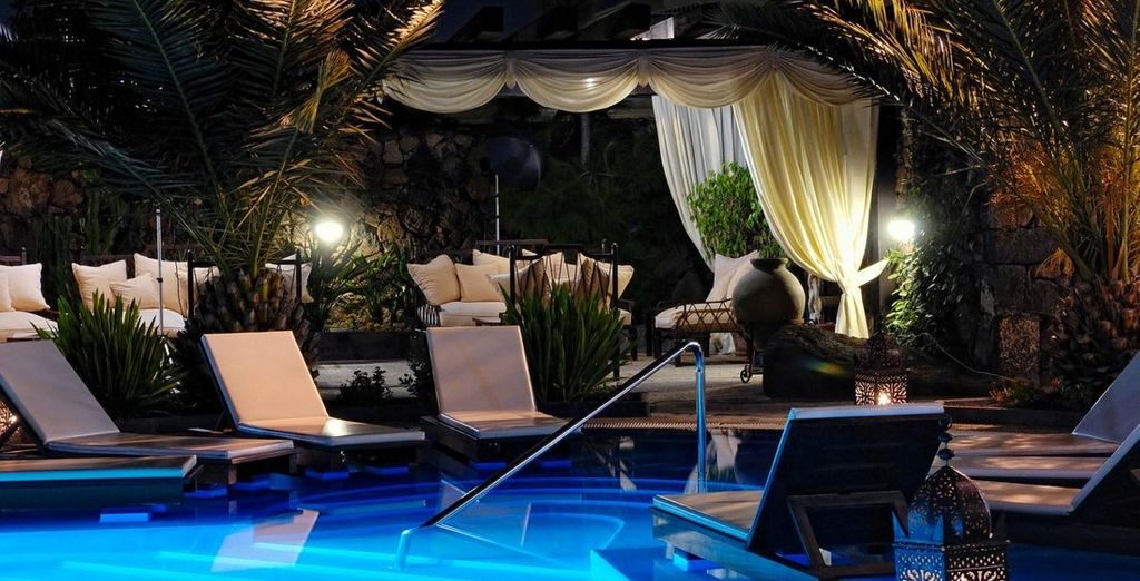 Finish your day with a lovely evening by the pool...