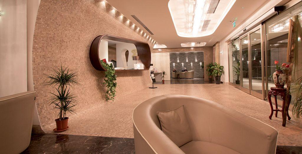 Which features modern interior design