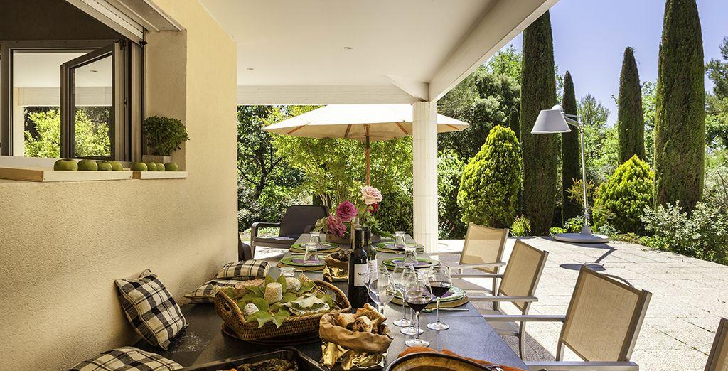 Or dine al fresco and create cherishable memories