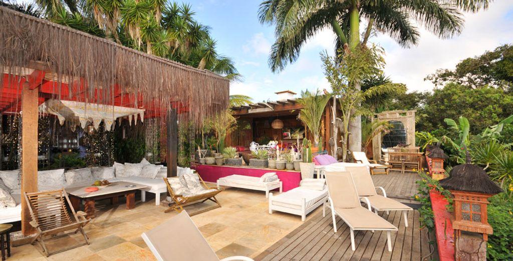 Sunbathe on the terrace