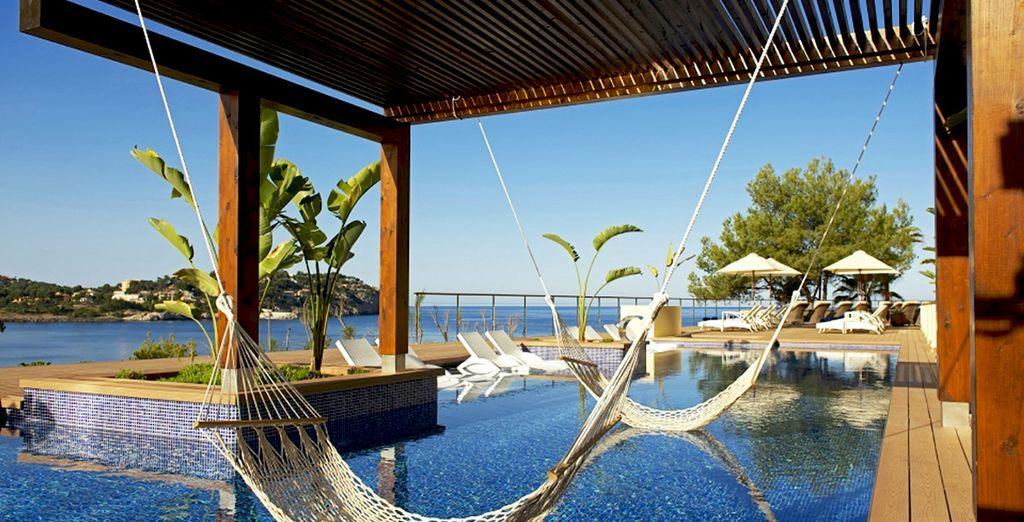 Lounge in a relaxing hammock - Iberostar Suites Jardin del Sol 4* Palma de Mallorca