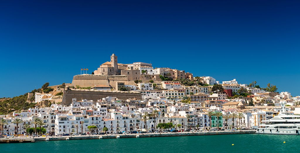 Explore Ibiza's Streets in the old town with Voyage Privé