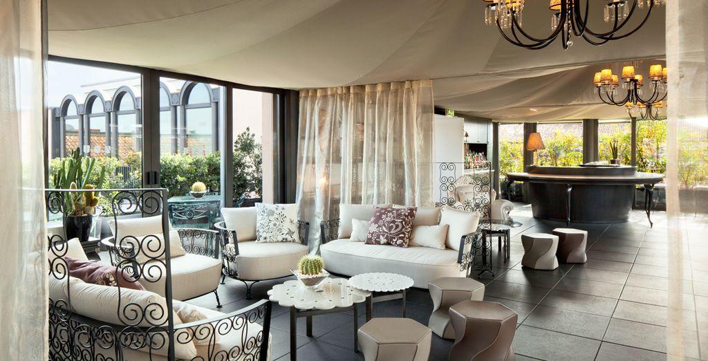 Lounge in elegant spaces
