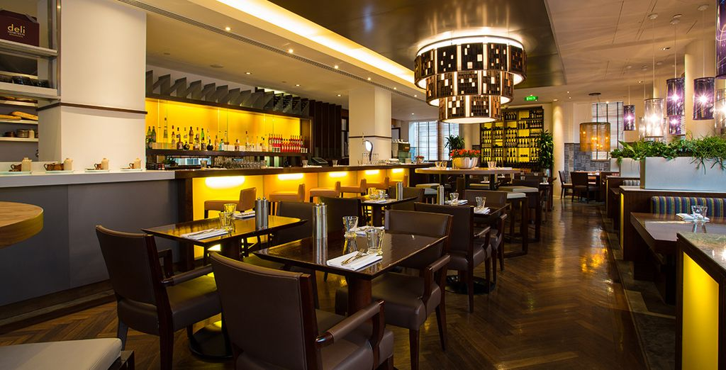 Choose from Italian and Chinese fare in the restaurants