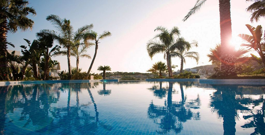 Discover a modern oasis at the 5* Dolce Sitges - Dolce Sitges 5* Sitges