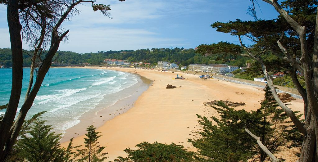 Admire the beautiful Scenery of St Brelade's Bay